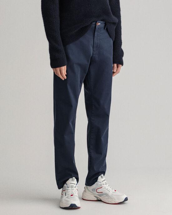 Pantalon chino regular fit en sergé