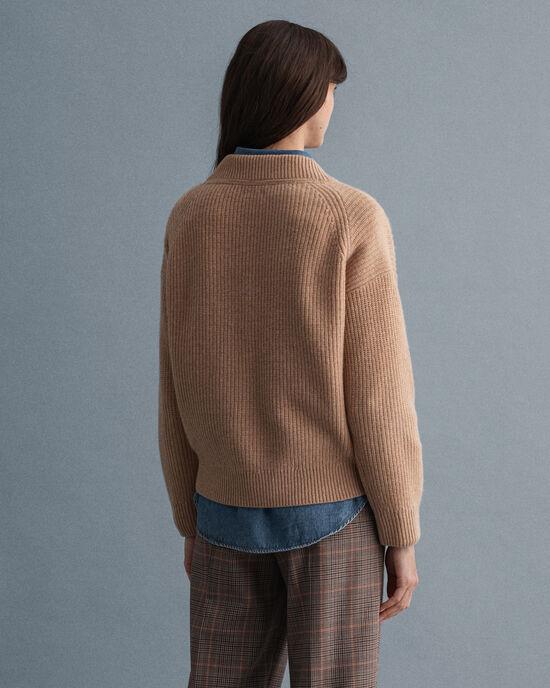 Pull col V en laine côtelée
