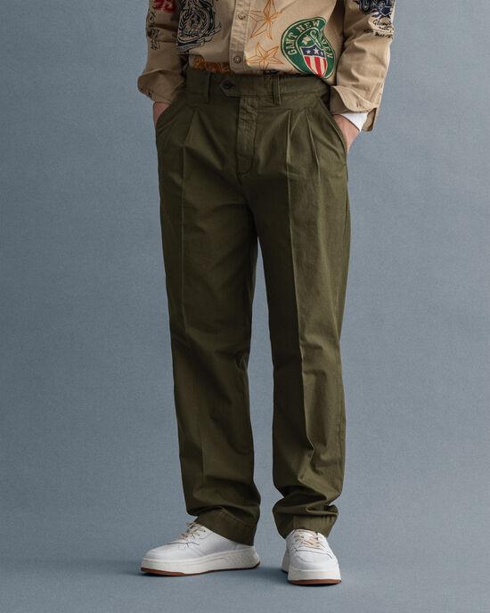 Pantalon chino plissé à jambes droites