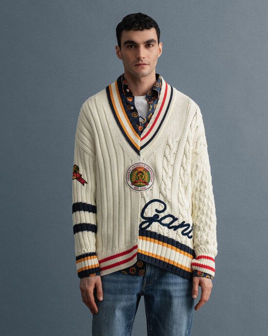 Pull col V style cricket à effet patchwork